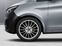 Vito Tourer, 48.3-cm (19-inch) 16-spoke light-alloy wheels, painted in black with high-sheen finish